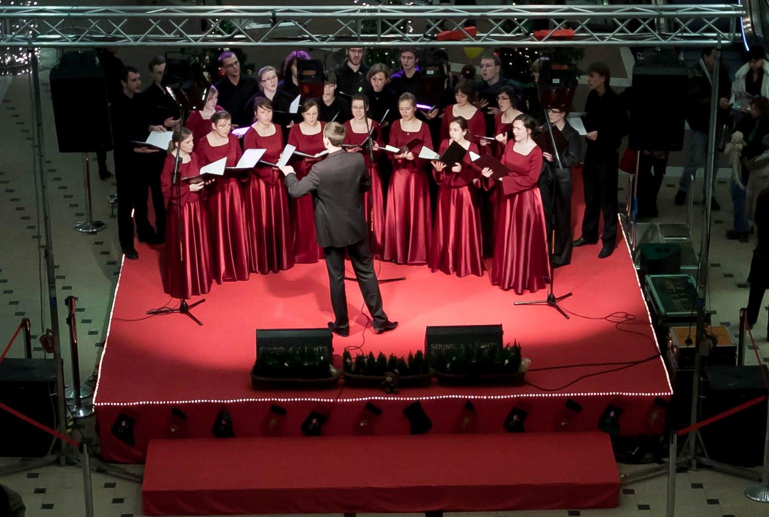 koncert-koled-w-galerii-pestka2-grudzien-2010